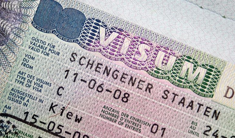 Làm visa Schengen hết bao nhiêu tiền