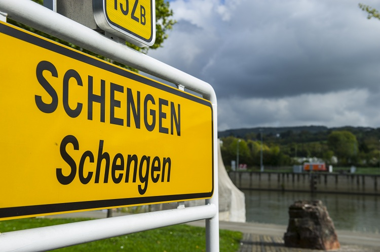 Hướng dẫn xin visa Schengen tự túc