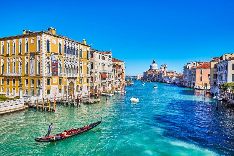 Hướng dẫn cách điền tờ khai xin visa Ý