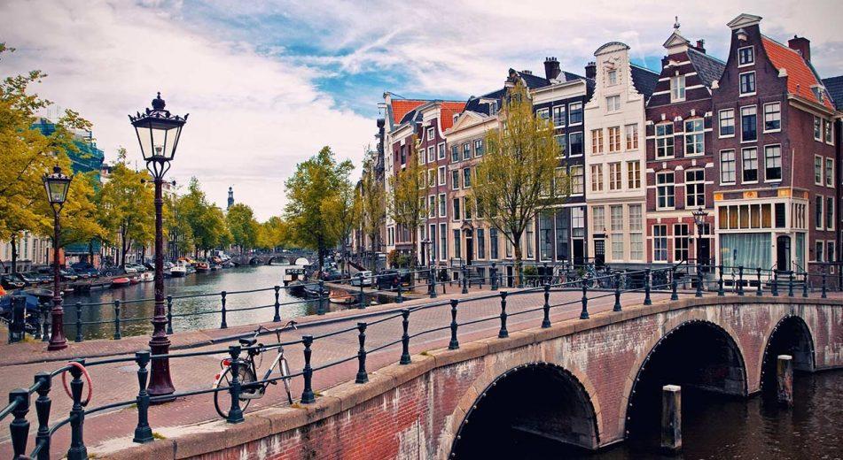 Hướng dẫn cách điền tờ khai xin visa Hà Lan