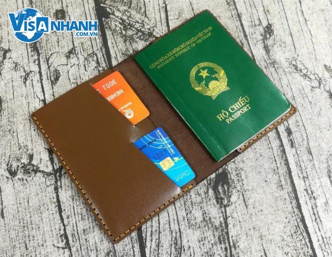 Việt Nam chuẩn bị chuyển sang sử dụng hộ chiếu gắn chip điện tử